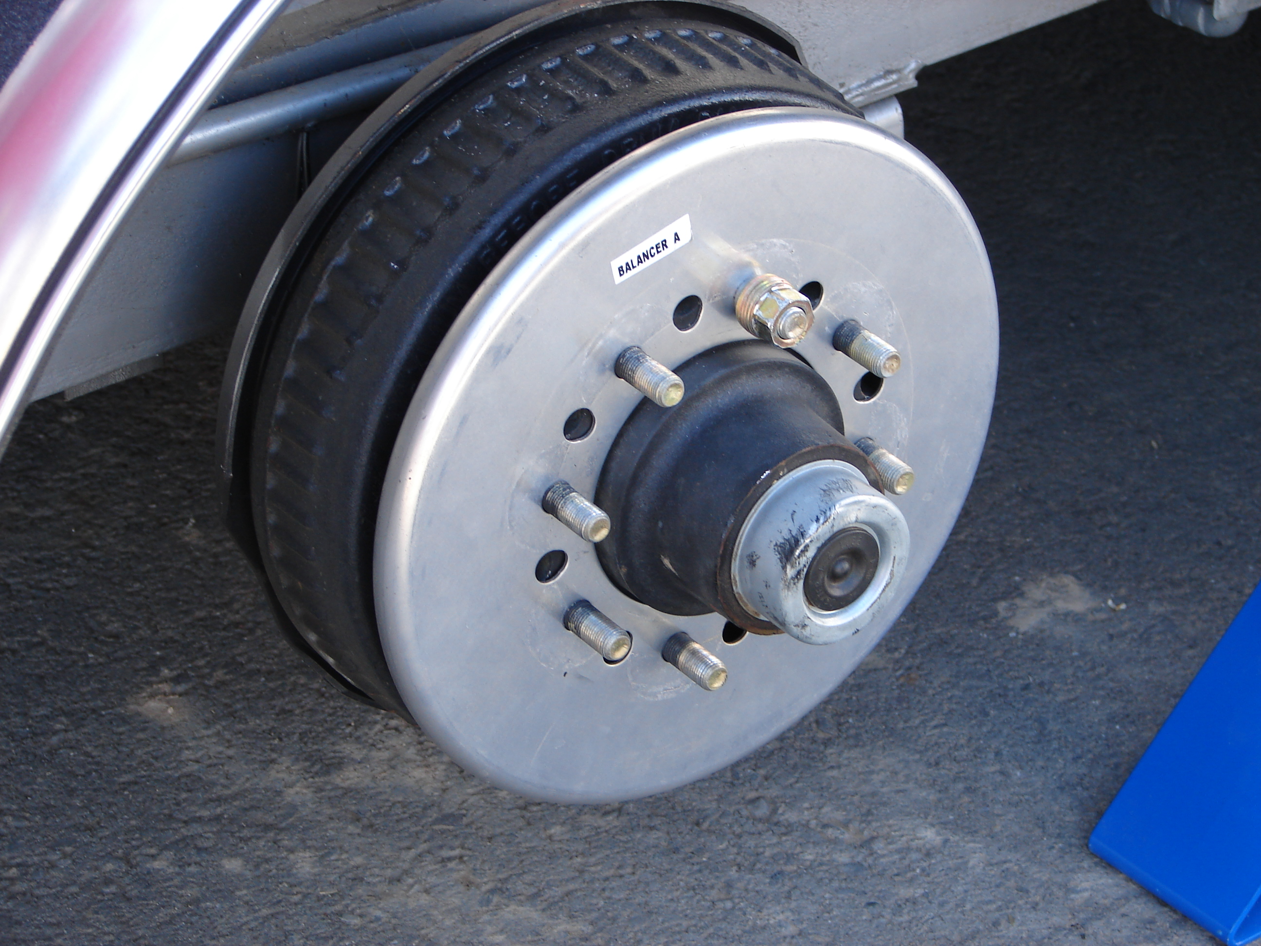 Centramatic Automatic On-board Tire and Wheel Balancers